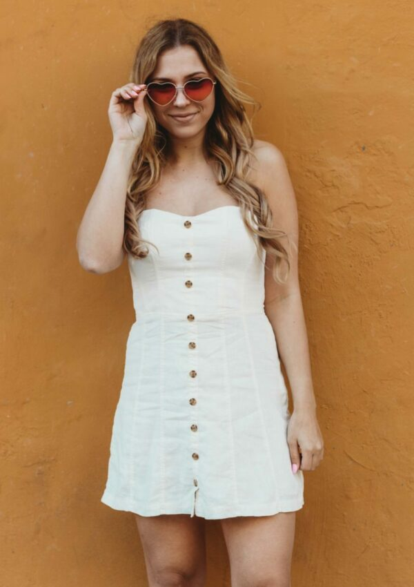 Summer Essential: The Little White Dress